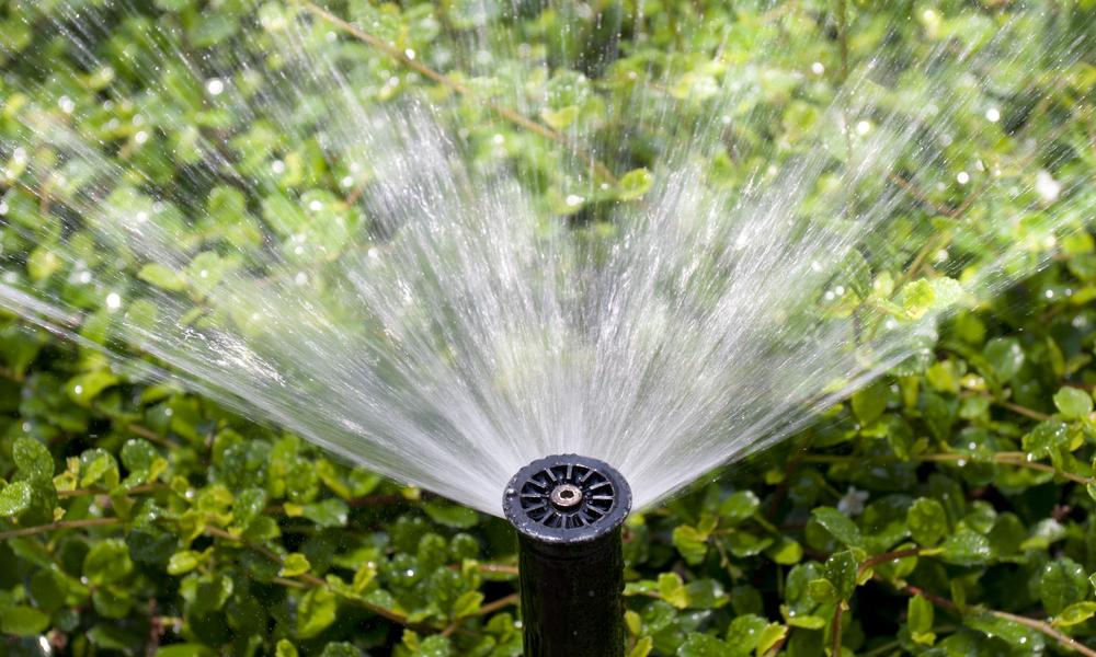 how do backyard sprinklers work?